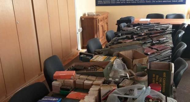 Policija poziva građane na dragovoljnu predaju oružja bez sankcija