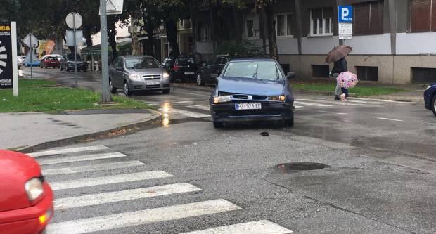 Prometna nesreća jutros na križanju kod požeškog Veleučilišta
