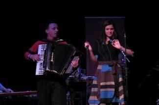 Sarajlije raspametile požeško kazalište: Publika zapjevala sevdah i zaplesala (video)