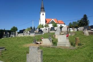 Čitateljica ljuta zbog nepokošenog groblja; Boban: ¨Pokošeno je. Radimo prema rasporedu¨