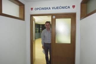 Načelnik Boban proveo nas je kroz nove općinske prostorije- pogledajte fotke!