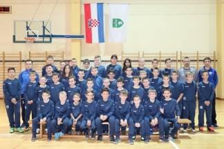 Limači, početnici i mlađi pioniri NK Lipik 1925 dobili novu sportsku opremu