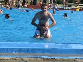 Vrućina izmamila Požežane na bazene
